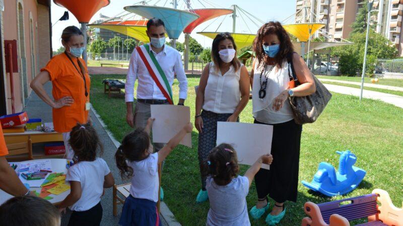 Centri estivi a Pomezia, il Sindaco Zuccalà e l'Assessore Delvecchio in visita alle strutture pubbliche