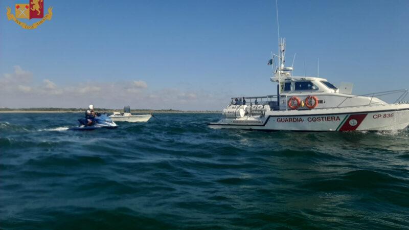Fiumicino. In balìa delle onde a bordo di un'imbarcazione: 4 persone salvate dalla Polizia di Stato.