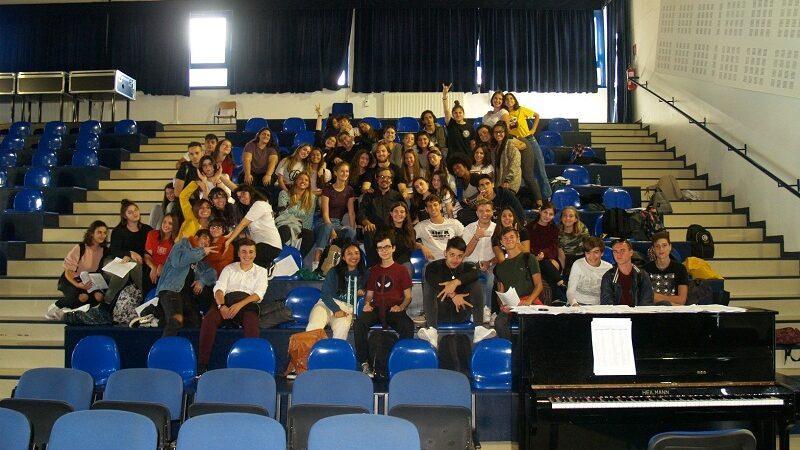 """Ciampino, domenica """"Musica nell'aria"""" al """"Visual Arts Department"""": c'è anche il Coro Unisono del Liceo """"Volterra"""""""
