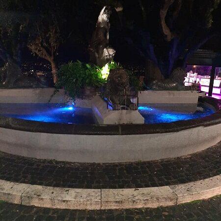 Monte Porzio, fontana blu a Piazza Borghese e piantumazione di alberi per la Giornata Internazionale dell'Infanzia