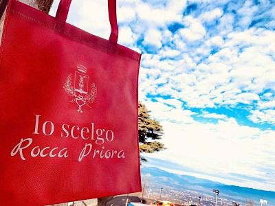 """""""Io scelgo Rocca Priora"""": compra in Città e ricevi la borsa che promuove il commercio locale"""