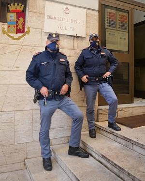Velletri, Polizia interviene nel parcheggio di un fast food e presta soccorso a un clochard