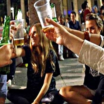 Frascati, stop alle bevande alcoliche nei weekend fino al 31 marzo