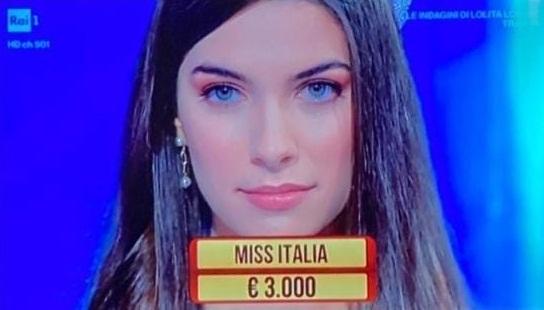 "Rai 1, Miss Italia Martina Sambucini (di Frascati) ai ""Soliti Ignoti"""