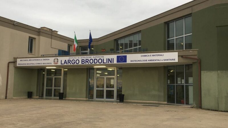 Coronavirus Pomezia, Zuccalà firma ordinanza di chiusura dell'ISS Largo Brodolini fino al 13 marzo
