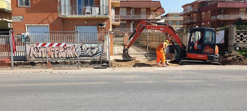 Torvaianica, nuovi marciapiedi: quasi terminati i lavori (FOTO)