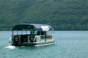 Lago Albano, da marzo riprende la navigazione della barca didattica